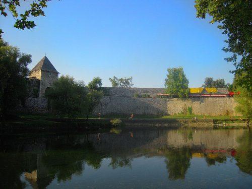 Kastel et rivière Vrbas à Banja Luka