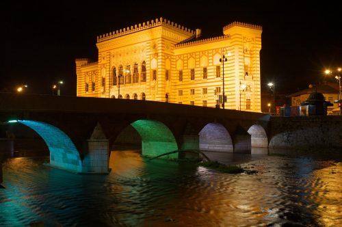 Rivière Miljacka à Sarajevo