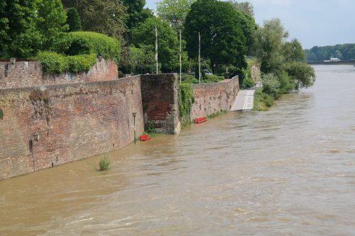 Inondations dans les Balkans
